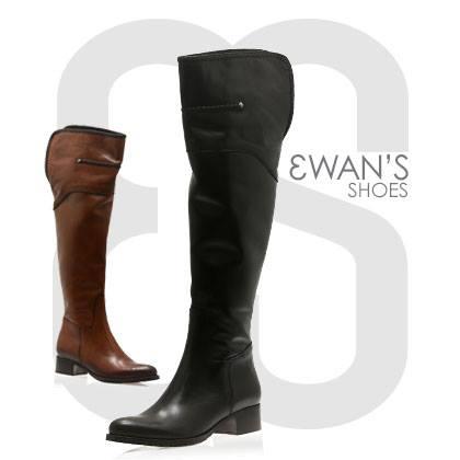 Dans la collection Ewan Shoes, voici le modèle Raph.Ces cuissardes existent en fauve et en noir. Un liseret torsade exté...