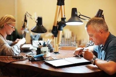 Expert en rachat de métaux précieux sur Internet, Gold Argent rachète vos bijoux, montres, pièces, et tous les objets co...