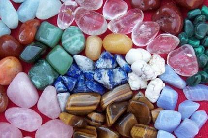 Des bijoux en pierre, en argent massif , fantaisie...Des petits objets vintages...De nombreuse nouveauté vous attendent ...